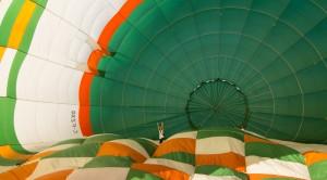 Préparation d'une montgolfière